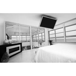 Bedroom ceiling mount for TV's between 32'' and 40''